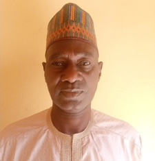 Alh. Adamu Abubakar confers with ESMI fellow
